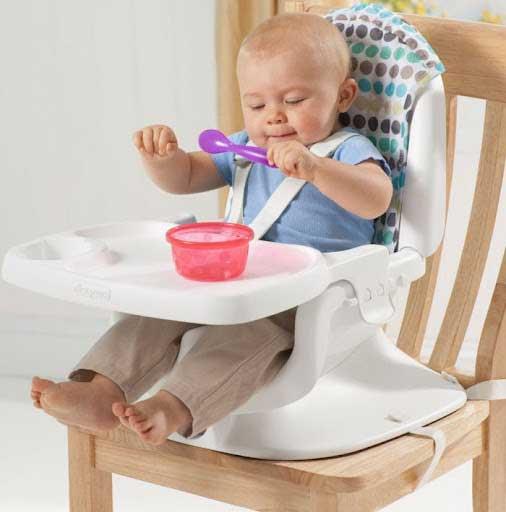 Lợi ích của bàn tập ăn cho bé