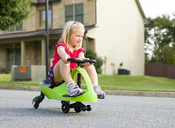 Có nên sử dụng xe lắc cho bé