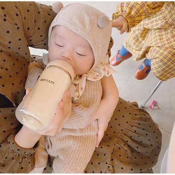 Bình sữa Moyuum có tốt không